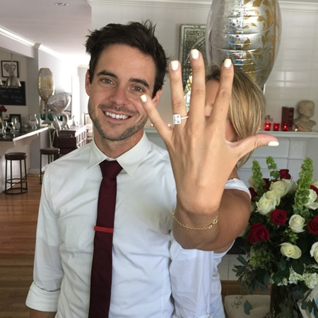 Kevin Manno and Ali Fedotowsky engaged