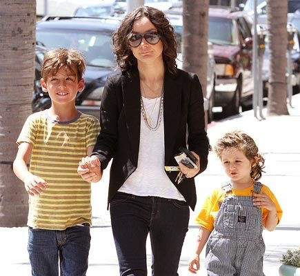 Sara Gilbert with Children